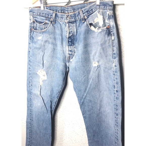popular style price remains stable clear-cut texture Levi's vintage 501 distressed denim jean 38x32